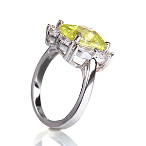 Yellow-Diamond-set-in-platinum-set-